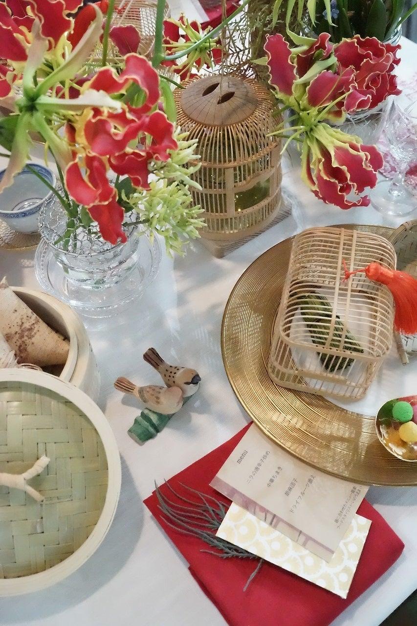 テーブルウェアフェスティバル2020 「かごや」様ブース テーブルスタイリングの記事より