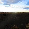 1199.その6。夕方の黒い土の荒野(本当は畑)と、まだ青い空と、Yシャツと私。マングー帝国。