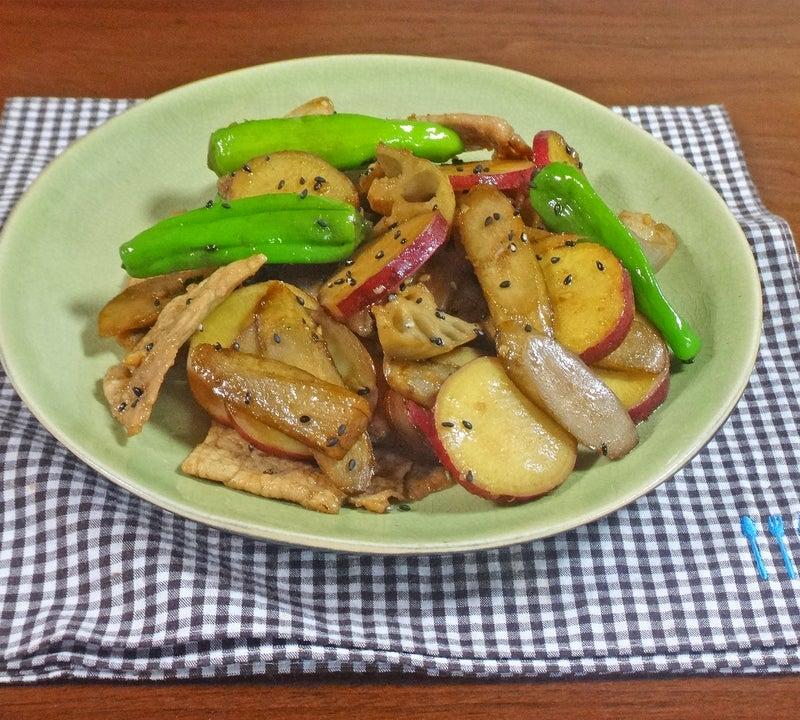 豚肉さつまいもと根菜のガリバタ醤油炒め