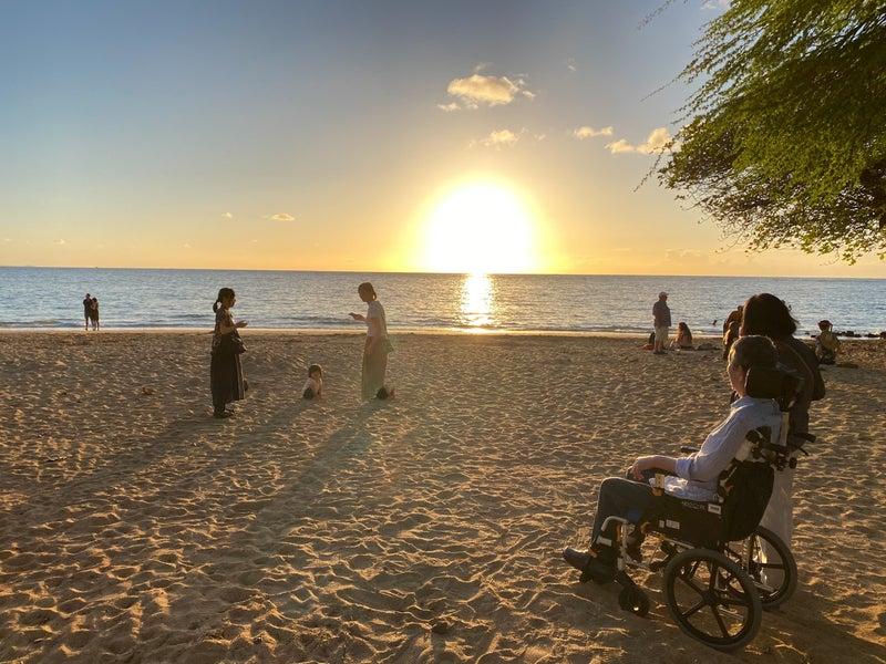 おじいちゃんから赤ちゃんまで家族全員で溶岩大地、ビーチで夕陽、星空を楽しみました