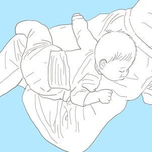 すごい体制で眠る次男の画像