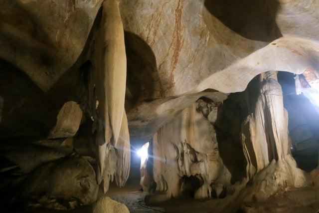 洞窟 プラトン の