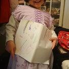 4歳さん ママのレッスン中もお絵かきして待っているお利口さんの記事より