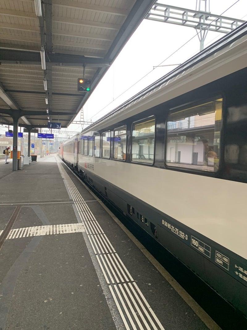 ジュネーヴ駅からジュネーヴ国際空港へ | FLYING TOUCH MANのため息