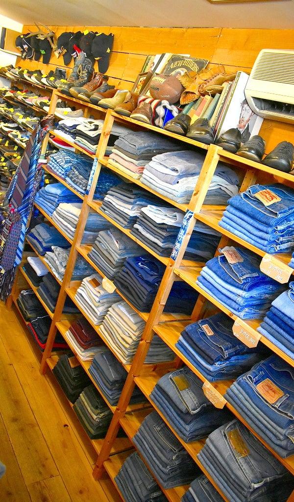 古着屋カチカチ店内Used Clothing Shop Tokyo Japan