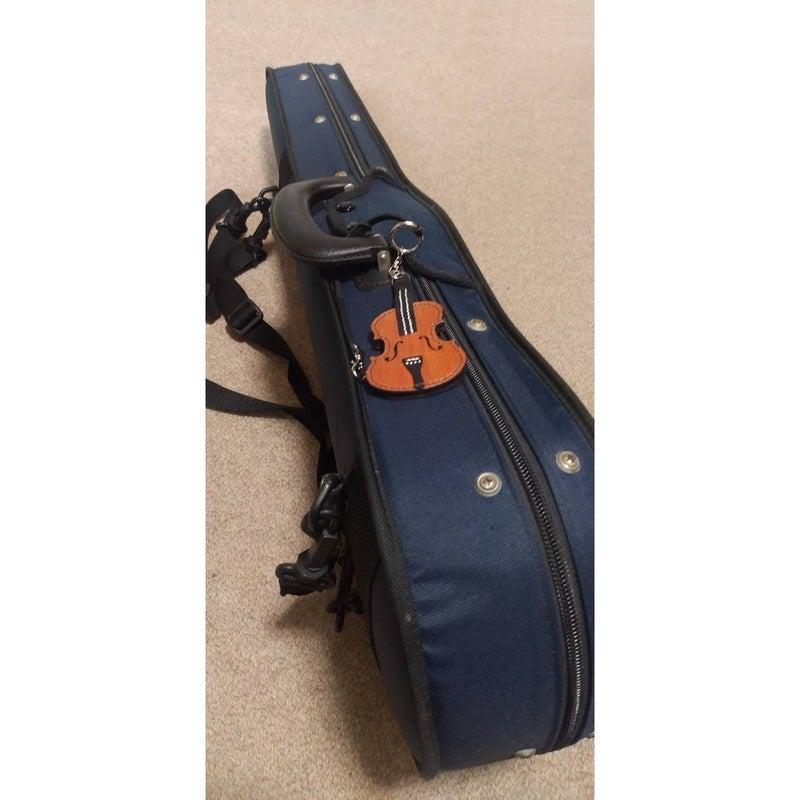 楽器ケースとバイオリンのキーカバー