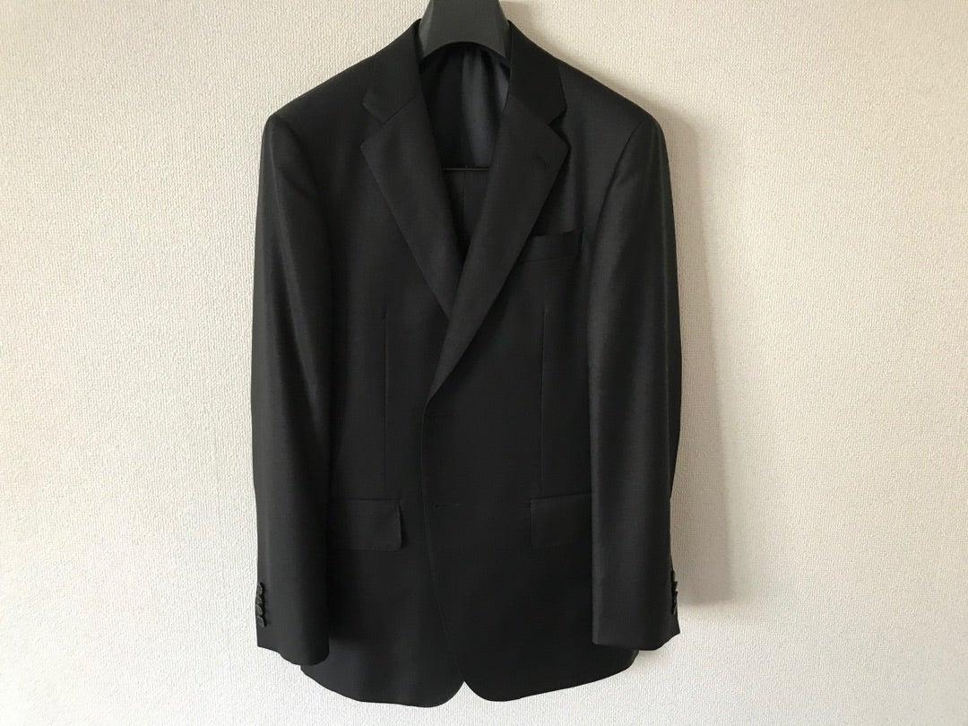 冠婚葬祭用のスーツ、意外に手を抜いていませんか?
