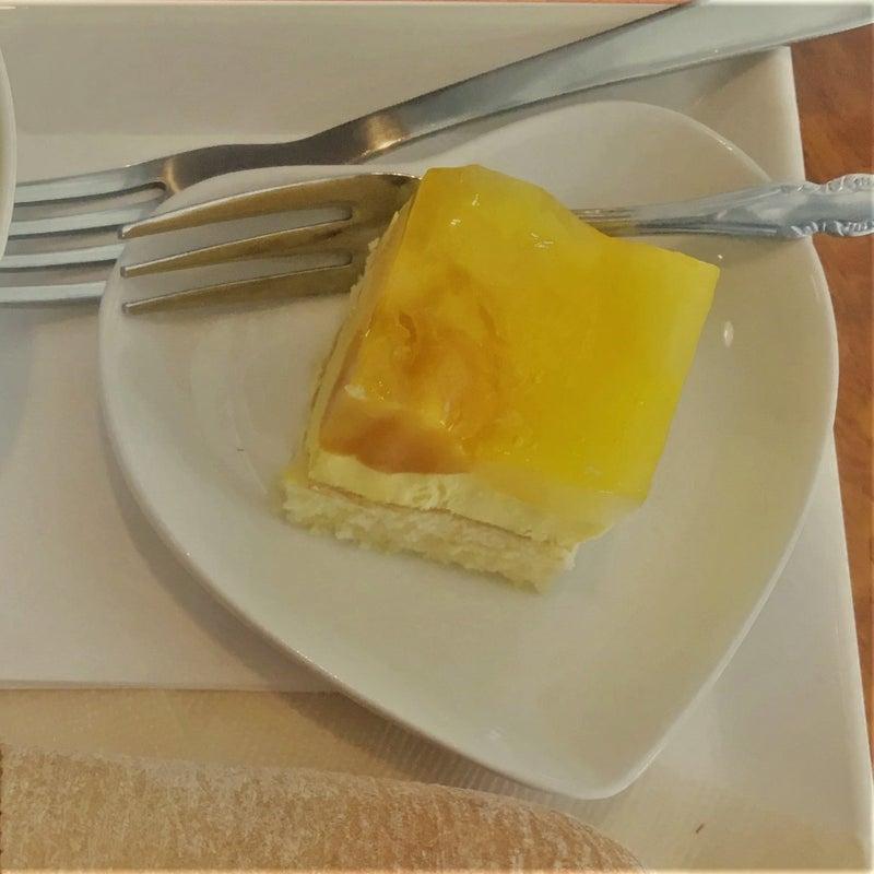 マンゴーのゼリーケーキ