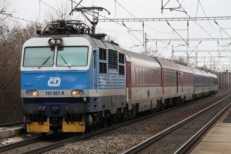 2020年春 チェコ遠征(その4) チェコ鉄道011号線を撮影 ...
