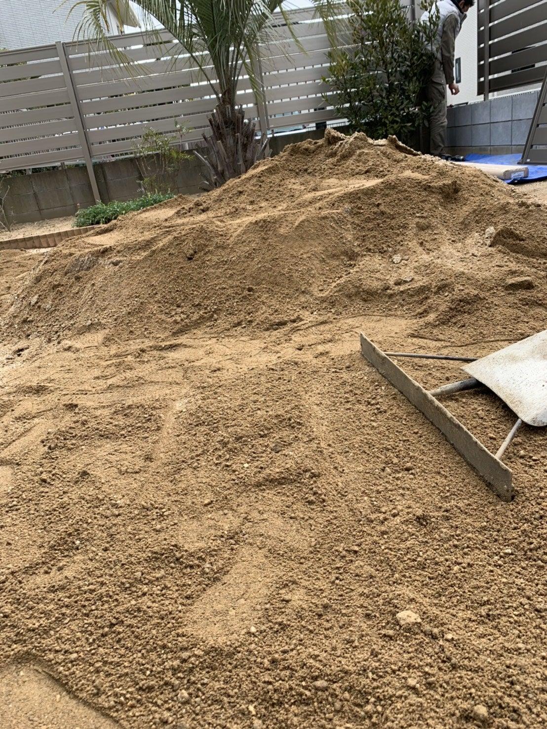 お庭に山砂を敷く | *JARDIN-ジャルダン-のエクステリアブログ*