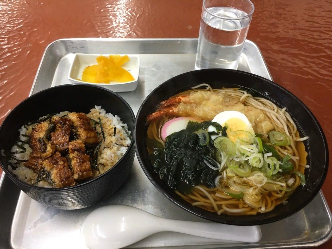 影の長男の何気ない日々市場食堂での朝食!うな丼+天ぷらそば