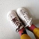 かんたんに印象が変わる靴のアレンジの記事より