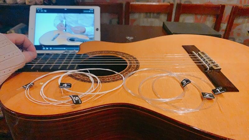 クラシック ギター 弦 張り替え