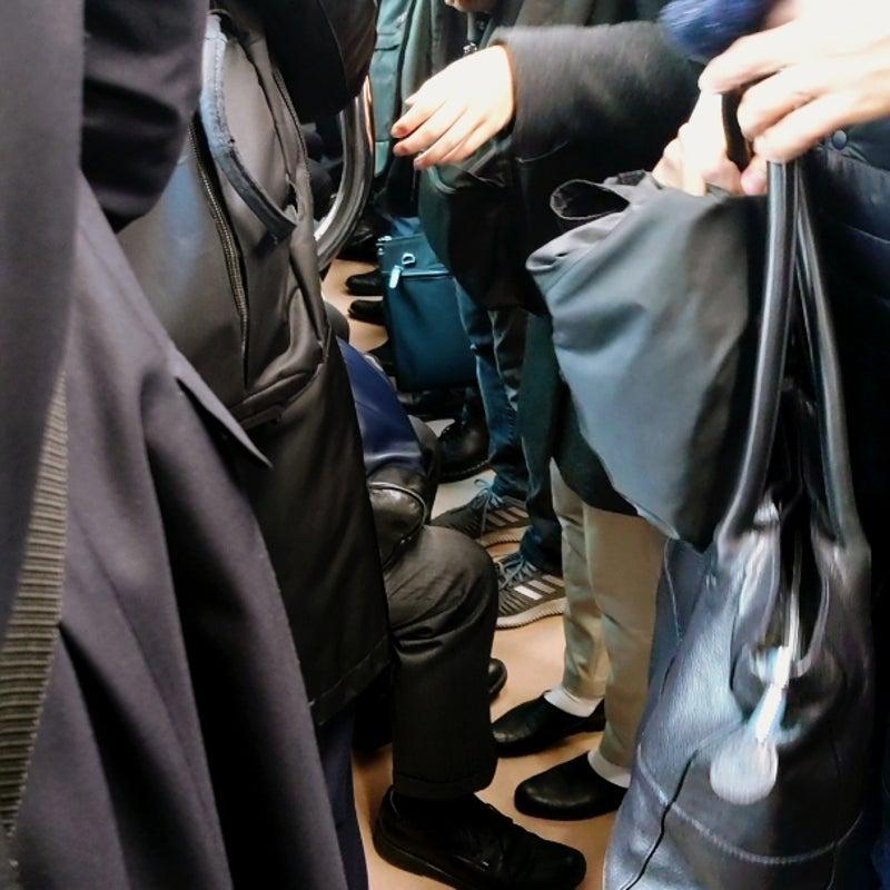 電車 怖い 満員