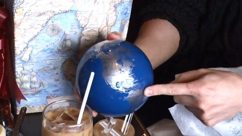 地球儀 佐藤健 佐藤健がYouTubeで桜田通にもらった地球の置物はムーバグローブ!光で回るおしゃれさ抜群! rima