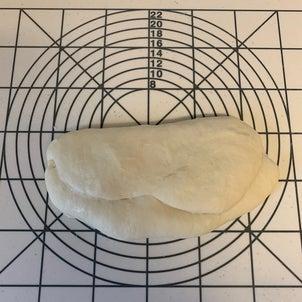 パン作りと選曲の画像
