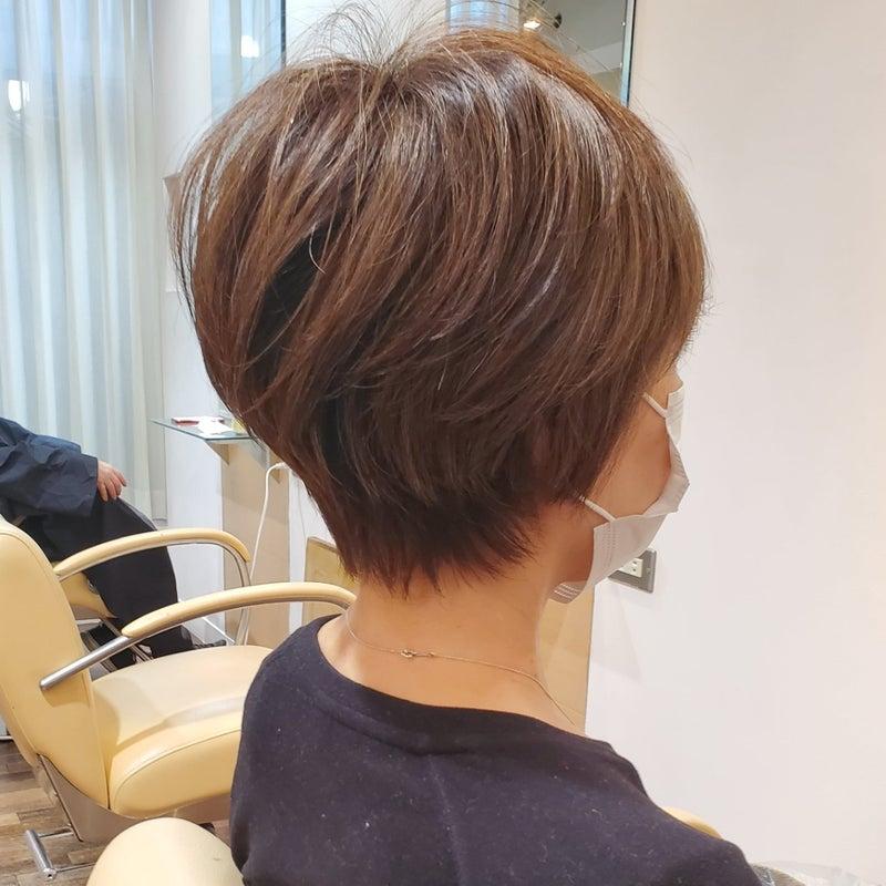 50 代 ショートカット 50代のショートヘアスタイル・髪型:面長・丸顔・パーマ・レイヤー L...