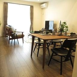 画像 床の色と少し違う色の家具がいい?!グレーがかったブラウン色の床にウォールナット材の家具を合わせる の記事より 8つ目