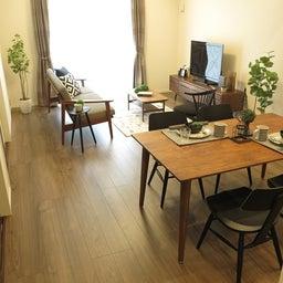 画像 床の色と少し違う色の家具がいい?!グレーがかったブラウン色の床にウォールナット材の家具を合わせる の記事より 6つ目