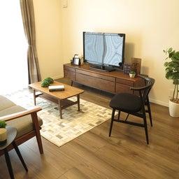 画像 床の色と少し違う色の家具がいい?!グレーがかったブラウン色の床にウォールナット材の家具を合わせる の記事より 15つ目