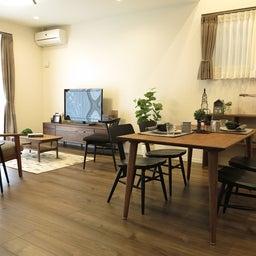 画像 床の色と少し違う色の家具がいい?!グレーがかったブラウン色の床にウォールナット材の家具を合わせる の記事より 9つ目