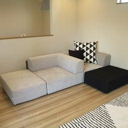 画像 家具の配置アドバイス!映画鑑賞が好きな方へ家具の配置提案!「島型」ソファをおすすめしました。 の記事より 18つ目