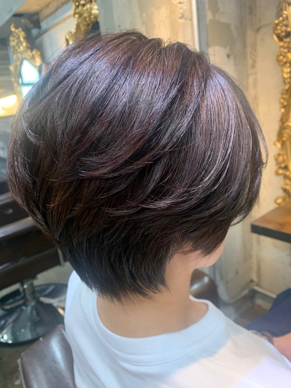 硬い髪質にはハンサムショートがお似合い