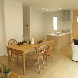画像 斬新!?リビング空間とダイニング空間を入れ替える家具の配置術!こんな家具の配置はどうですか? の記事より 13つ目