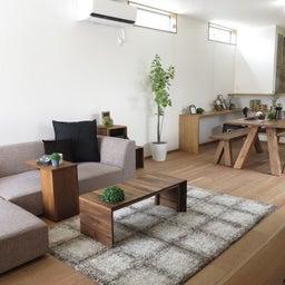 画像 リビングへ入る引戸の開き方で家具の配置が異なってきます。ソファ前が広くなり、ソファも大きくできる の記事より 20つ目