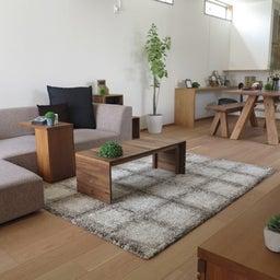 画像 リビングへ入る引戸の開き方で家具の配置が異なってきます。ソファ前が広くなり、ソファも大きくできる の記事より 1つ目