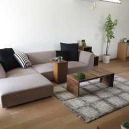 画像 リビングへ入る引戸の開き方で家具の配置が異なってきます。ソファ前が広くなり、ソファも大きくできる の記事より 13つ目