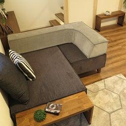 画像 家具の配置アドバイス!お子さん4人と両親、6人で寛ぐコンパクトリビング!壁もソファ?畳もソファ? の記事より 6つ目