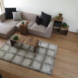画像 リビングへ入る引戸の開き方で家具の配置が異なってきます。ソファ前が広くなり、ソファも大きくできる の記事より 12つ目
