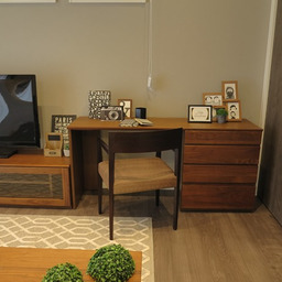 画像 広い壁面を活かした総幅3m以上の収納家具を提案!TVボードとデスクを同じデザインで提案できます の記事より 4つ目