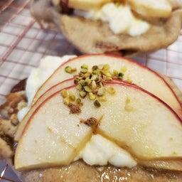 画像 玄米粉いり、アップル&クリームチーズパン&ナッツたっぷり の記事より