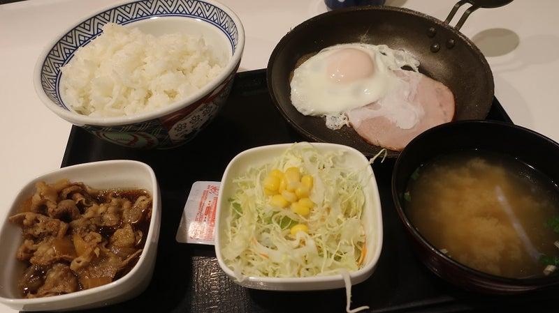 朝 何時 まで 定食 吉野家 【朝定食食べ比べ】4大牛丼チェーン朝定食のバリエーションが凄い!