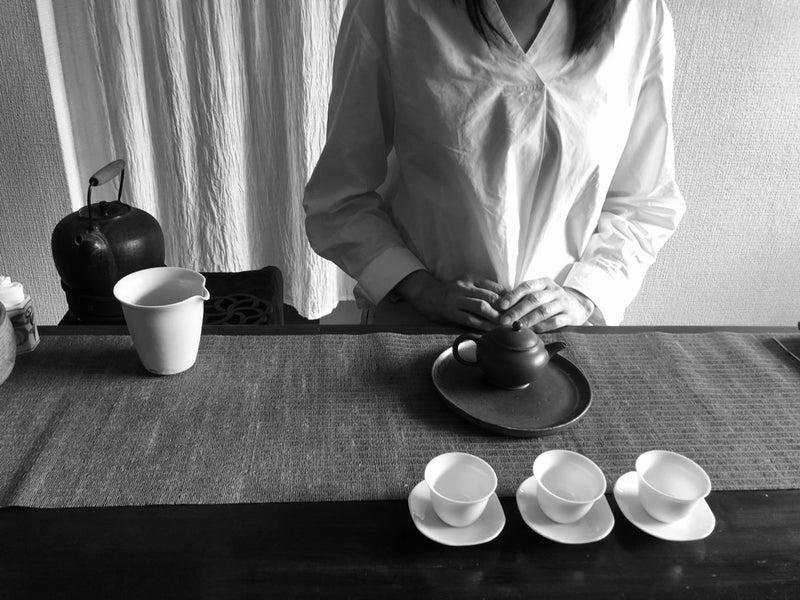 お茶をいれる