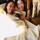 バリバリの有能な国連勤務のエリート女子が選んだお産は古くて最先端の家庭内出産。そう、ステイ...の記事より