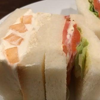 珈琲とサンドイッチの店 さえら(札幌市中央区大通西2 都心ビル B3F)〜南区川沿散歩