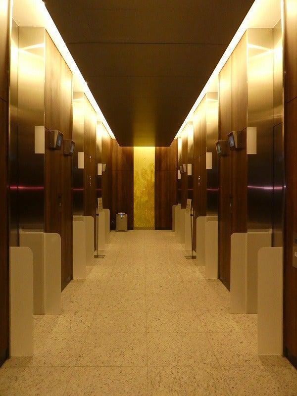 hitoto広島エレベーターホール