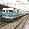 混色の113系関西本線快速電車