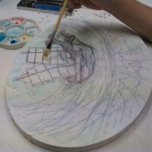 楕円形のキャンパスに描くの画像