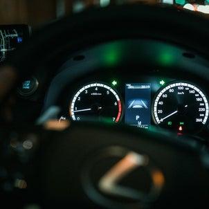 怪しいと思ったら、車の走行メーターの確認をおすすめします。の画像