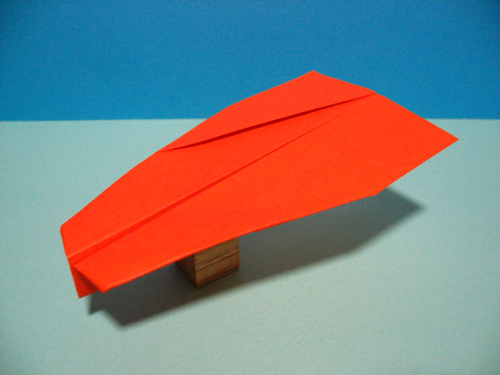 よく 紙 折り紙 飛行機 飛ぶ