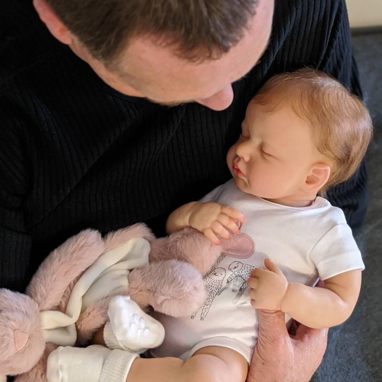 リボーンドール シリコンドール リアル赤ちゃん人形