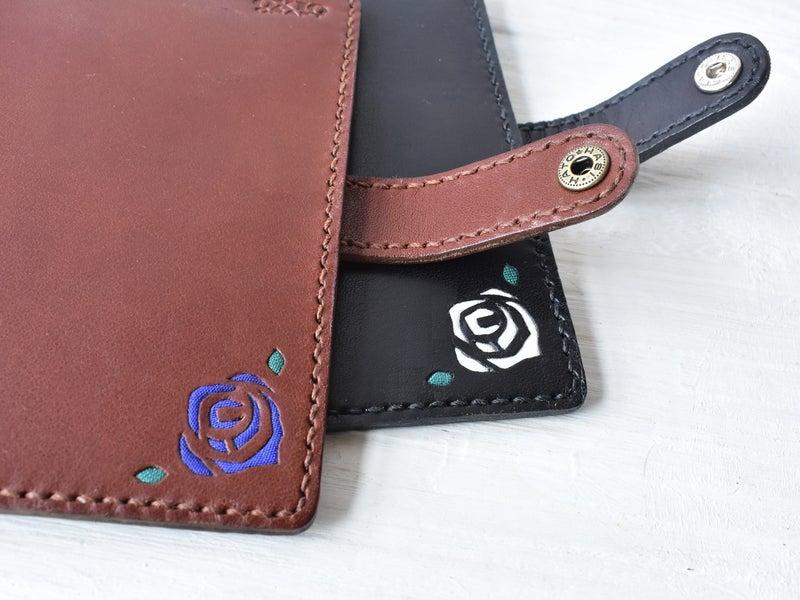バラの花のパスポートケース