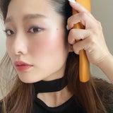 【−5歳?!】毎日1分!髪をとかすだけで顔をリフトアップさせる方法の記事画像
