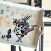 アリスの白うさぎ、食器になって可愛さ倍増の画像