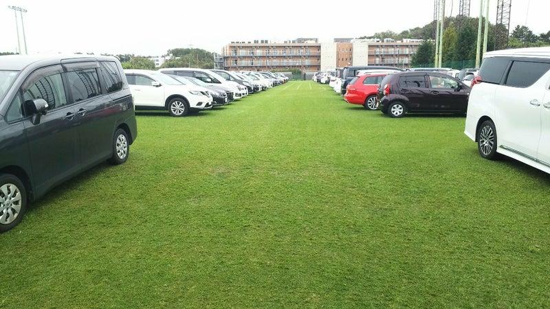 ヴェルディとベレーザが使う天然芝ピッチを駐車場にするのはおかしい!   ICI C'EST VERDY(緑)