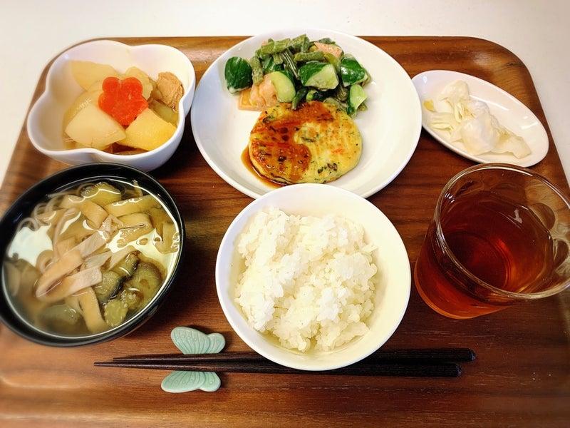 置き ご飯 方 味噌汁 の と 味噌汁の位置は関東と関西で違う?恥をかかない和食のマナーを学ぼう